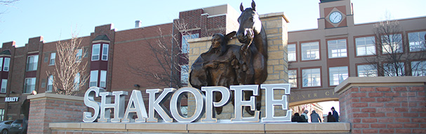 Chief Sakpe statue at River City Centre plaaza
