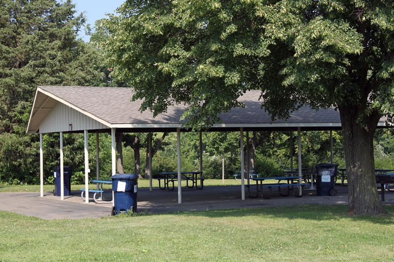 Open-air picnic shelter with electricity