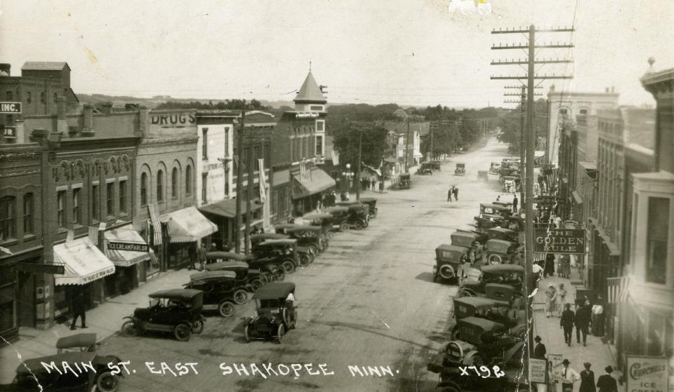 Downtown Shakopee Circa 1915